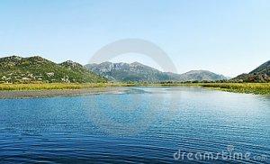 skadar-lake-13381113