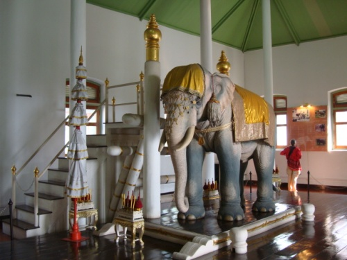 bang royal elephant museum 2