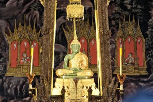bang wat phra keaw Emerald_Buddha,_August_2012,_Bangkok