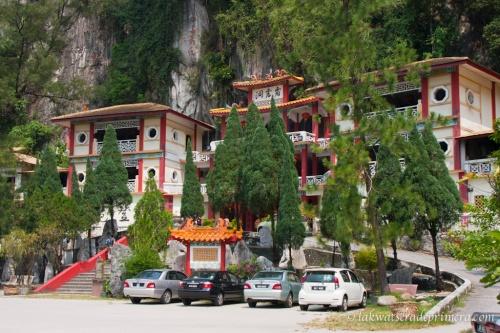 Ipo Perak-Cave-Temple-1