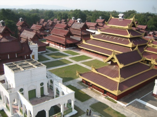 man Mandalay-Palace-from-Watch-Tower