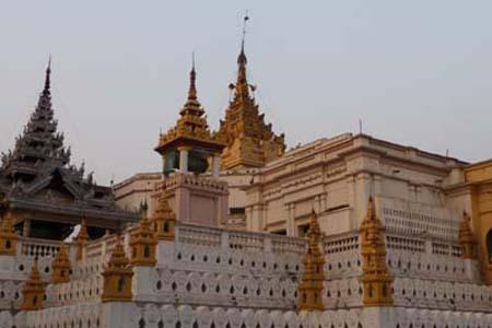 man Setkyathiha-Pagoda