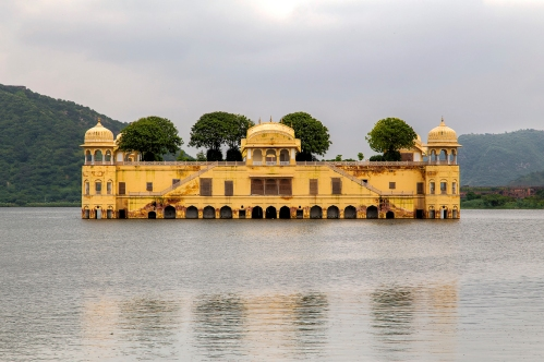 jai Jal_Mahal_in_Man_Sagar_Lake