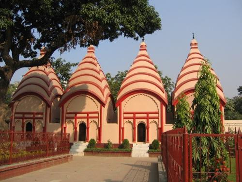 dhaka dhakashari temple.jpg