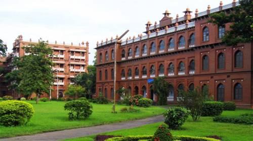dhaki-university