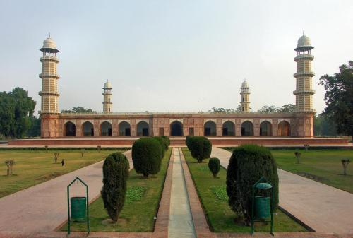la-jahangir-tomb-photos