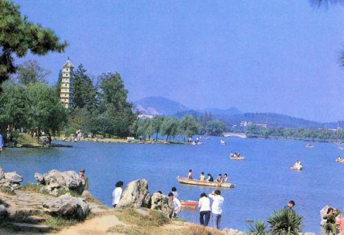 nan-xuanwu-lake-1