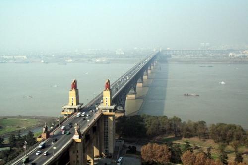 nan-yangtze-river-bridge-2