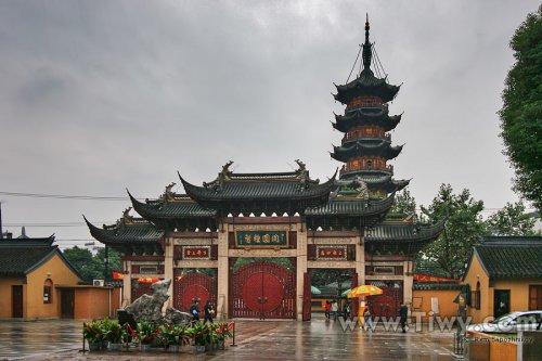shang-longhua-temple11