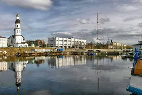 ark-dvina-river-arkhangelsk-harbour