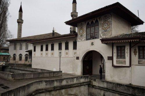 cr-kahn-palace