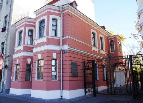 mos-chekhov-house-museum