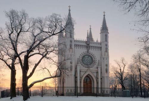 pet-gothic-chapel