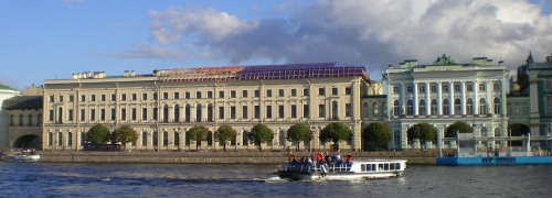 pet-old-hermitage-and-small-hermitage-as-seen-from-the-river-neva-in-2007