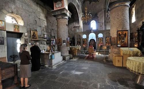 tib-anchi-basilica-interior