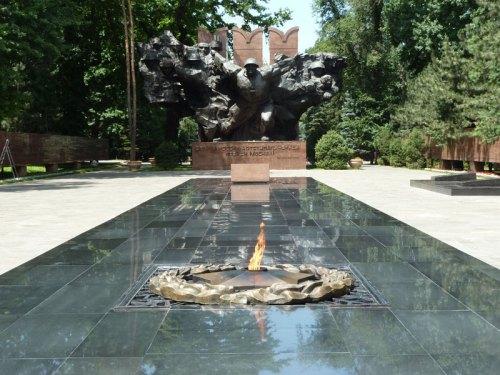 al-panfilov-monument-2