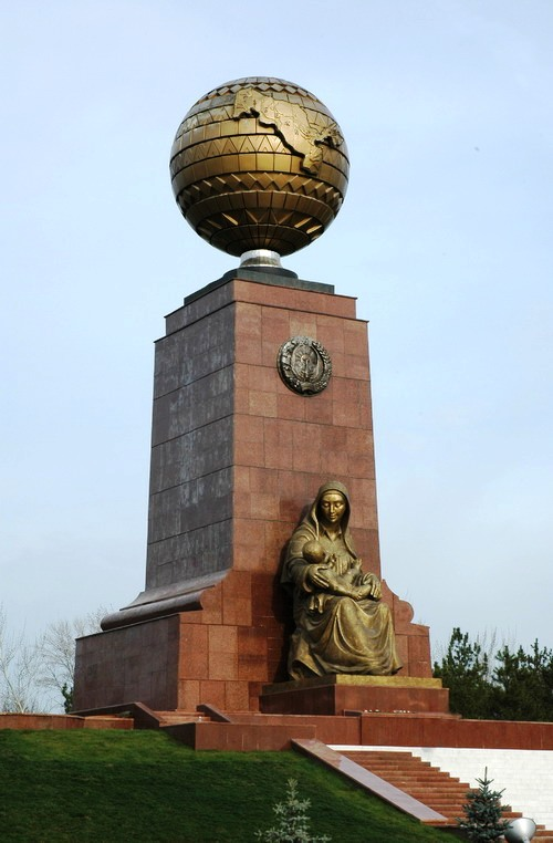 tash-indepence-monument
