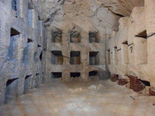 alex catacombs-of-kom-el-shoqafa
