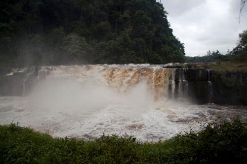 gabon franceville poubara-waterfall01