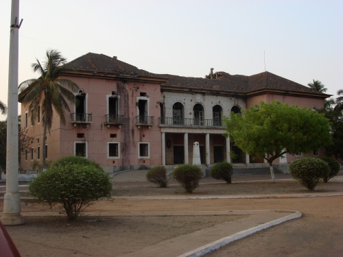 guinea Presidential_palace_guinea_bissau_old12