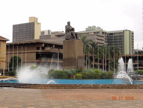 ken conference center statue-of-jomo-kenyatta