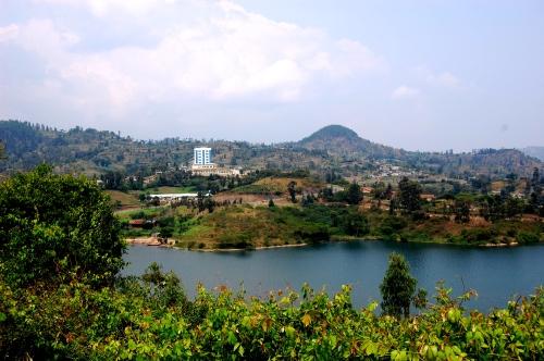 rwanda lake kivu 3.jpg