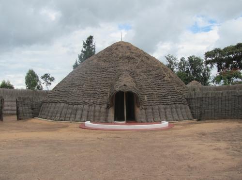 rwanda nyanza King's_palace_in_Nyanza