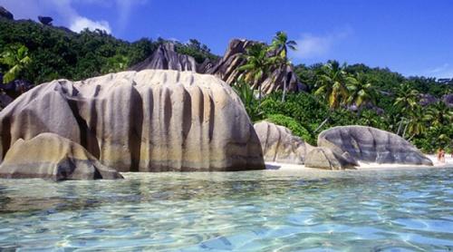 sey praslin-island-seychelles-xl