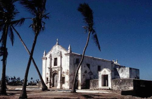 moza island moza church