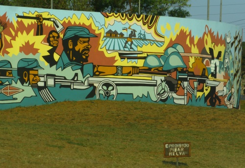 moza Praça_dos_Heróis_Moçambicanos_Maputo_3