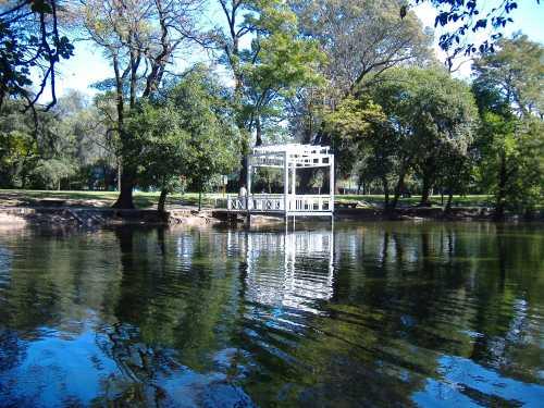 cor Parque_Sarmiento,_Córdoba,_Argentina_1