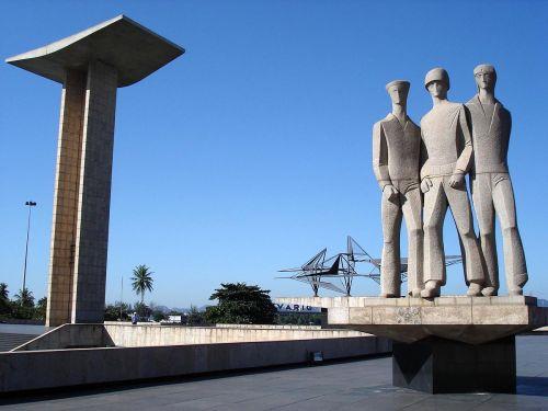 rio flamenco monumento