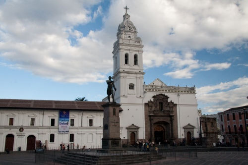 quito Iglesia_de_Santo_Domingo,_Quito_-_1