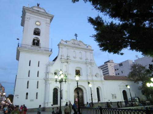 ven car catedral