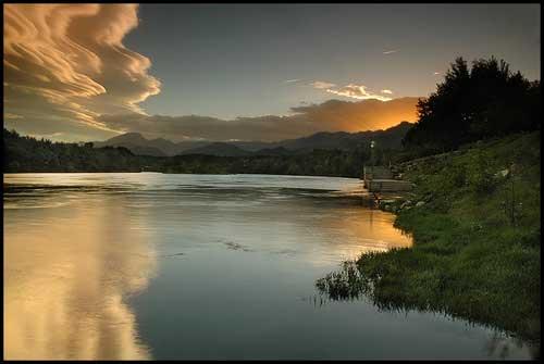 rica arenal lake