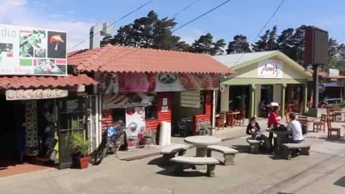 rica monteverde town