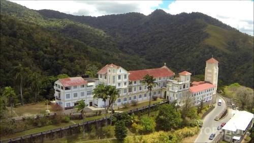 tri monastery