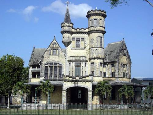 tri port castle