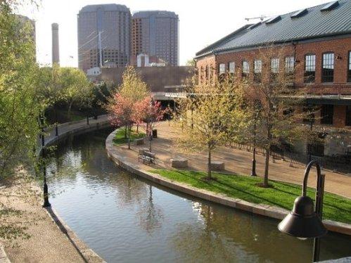 rich canal-walk