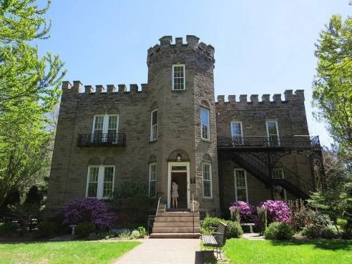 NY highland warner castle