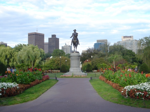 bos Public_Garden,_Boston.jpg