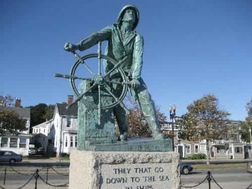 cape fisherman-statue-in-gloucester