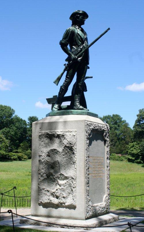 mass Minuteman_statue_1_-_Old_North_Bridge