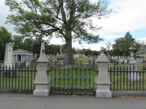 man con old_north_cemetery_7891