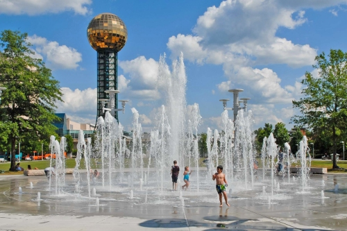 knox world-fair-park-sunsphere-fountains