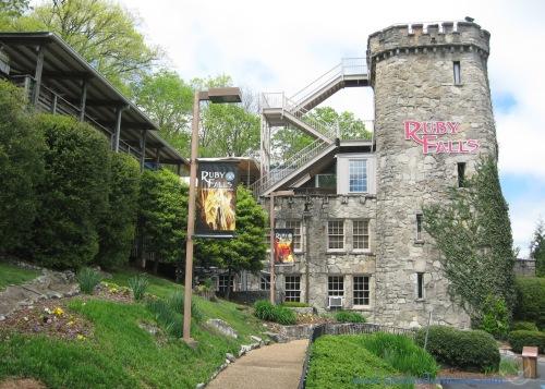 ten lookout Ruby Falls - Castle