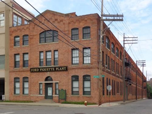 detroit Ford_Piquette_Avenue_Plant_-_Front_Exterior