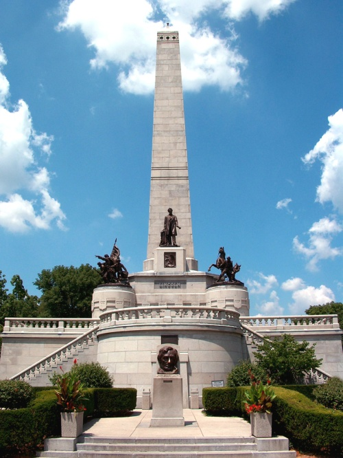 spring lincoln tomb