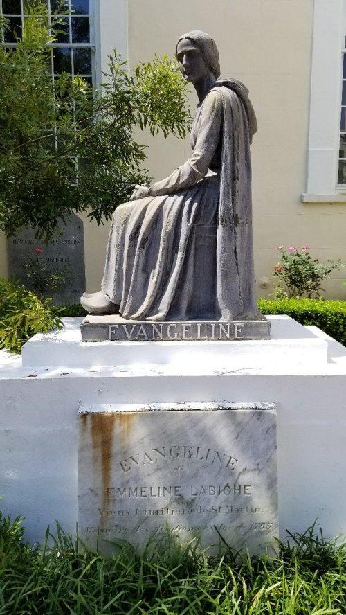 lou martin statue